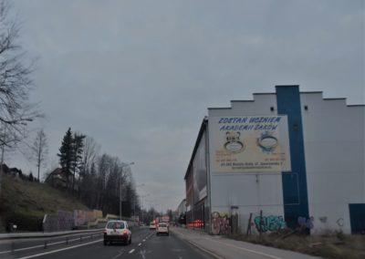 Bielsko-Biała ul. Partyzantów ściana kierunek centrum